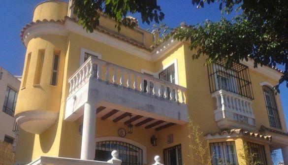 Chalet en Ceuta de 5 habitaciones