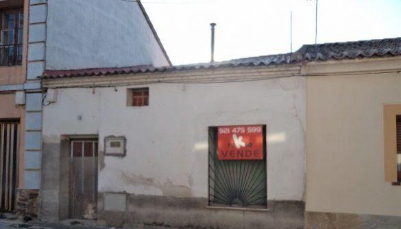 Casa de pueblo en Nava De La Asunción de 3 habitaciones