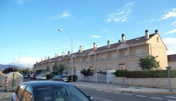 Casa adosada en Segovia de 4 habitaciones