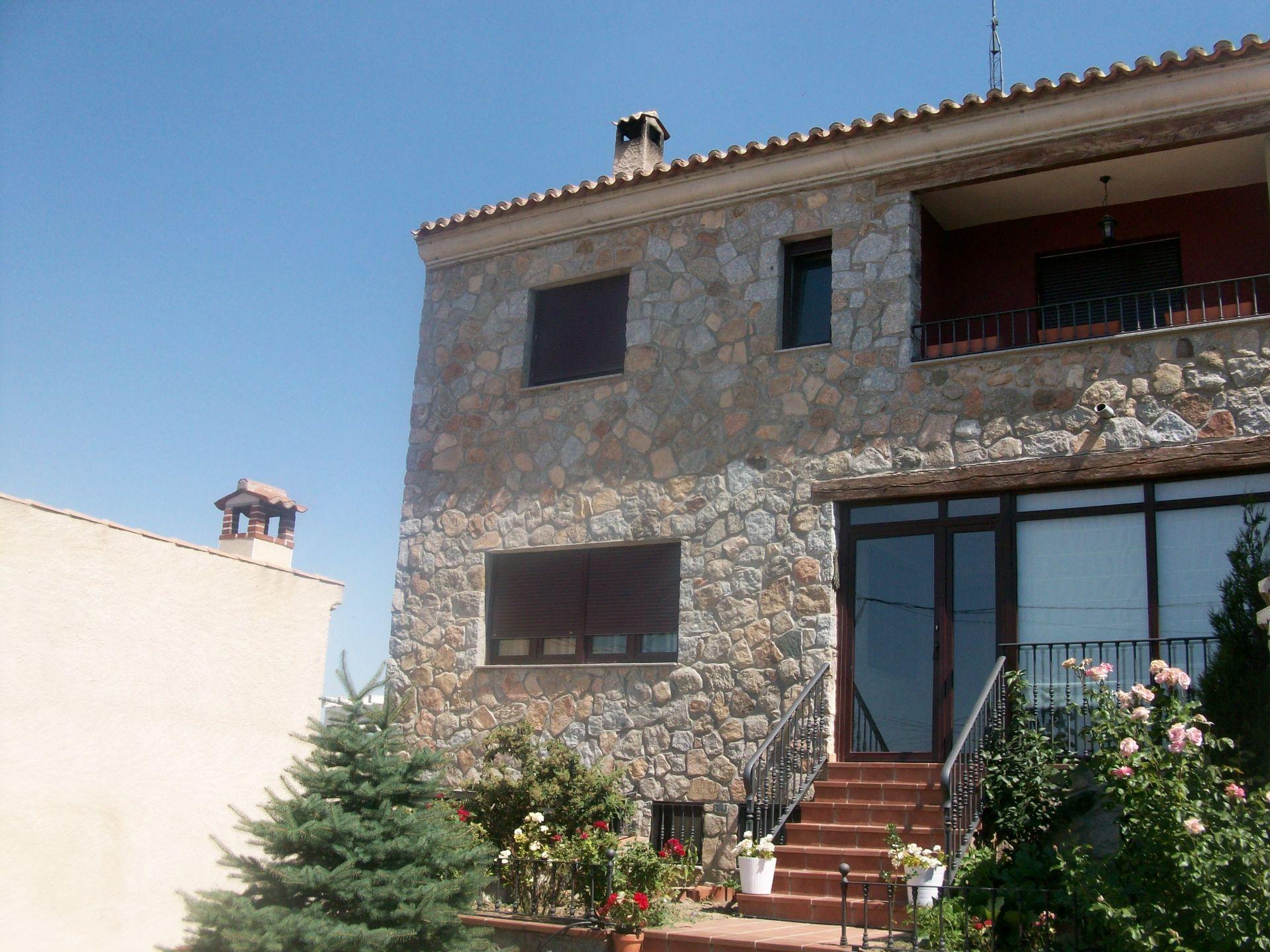Casa adosada en Berrocalejo de Aragona, alquiler