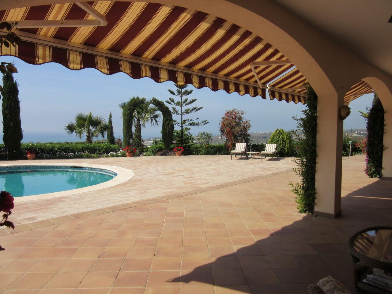 Luxury Villa in Almayate Alto, alto, for sale