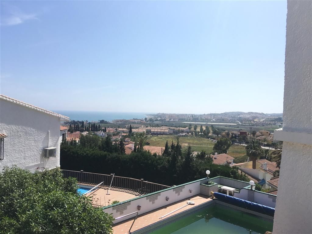 Villa in Caleta de Vélez, for sale