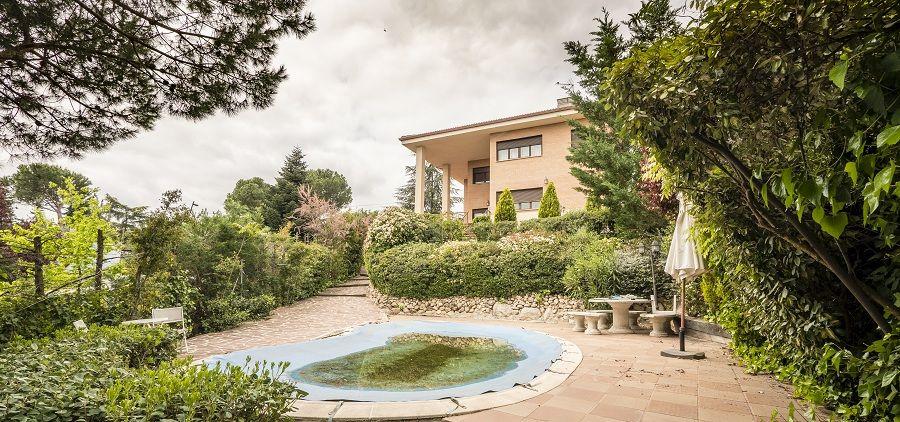Villa in Torrelodones, Los Peñascales, for sale
