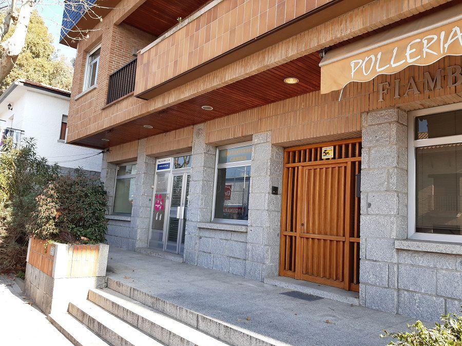 Local comercial en Torrelodones, La Colonia, venta