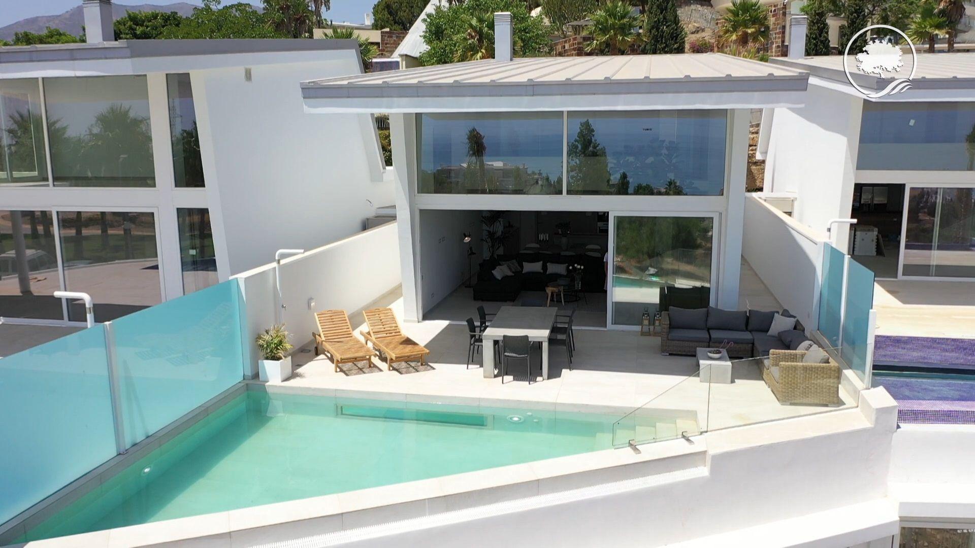 Luxury Villa in Benalmádena, Benalmadena Costa, for sale