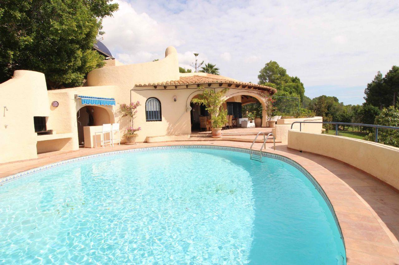 Villa in Altea, Golf don Cayo, for sale