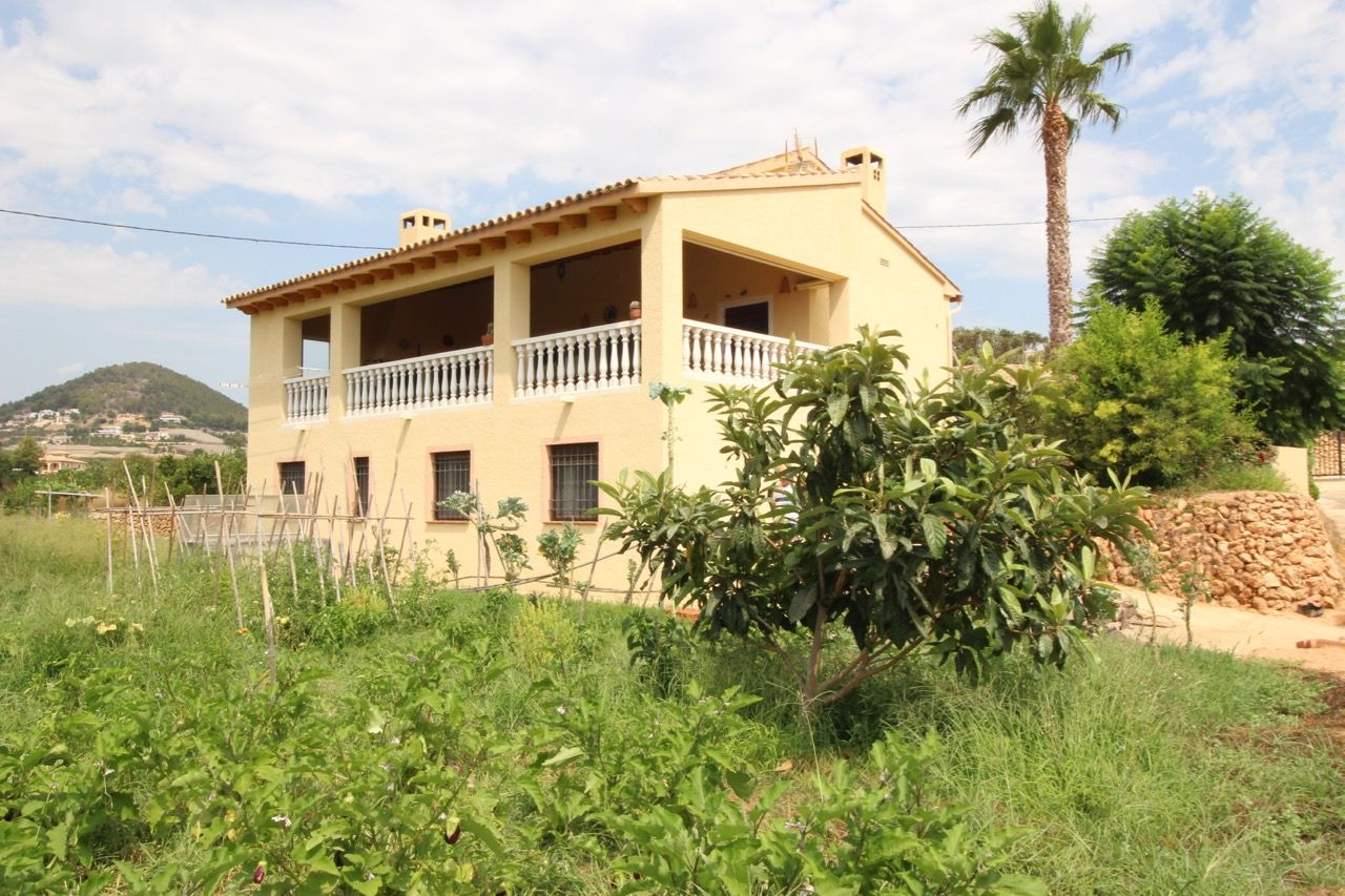 Country House in Callosa d'en Sarrià, for rent