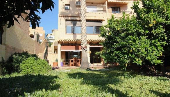 Terraced House in Alfaz del Pi / l'Alfàs del Pi, Colonia Escandinava, for rent