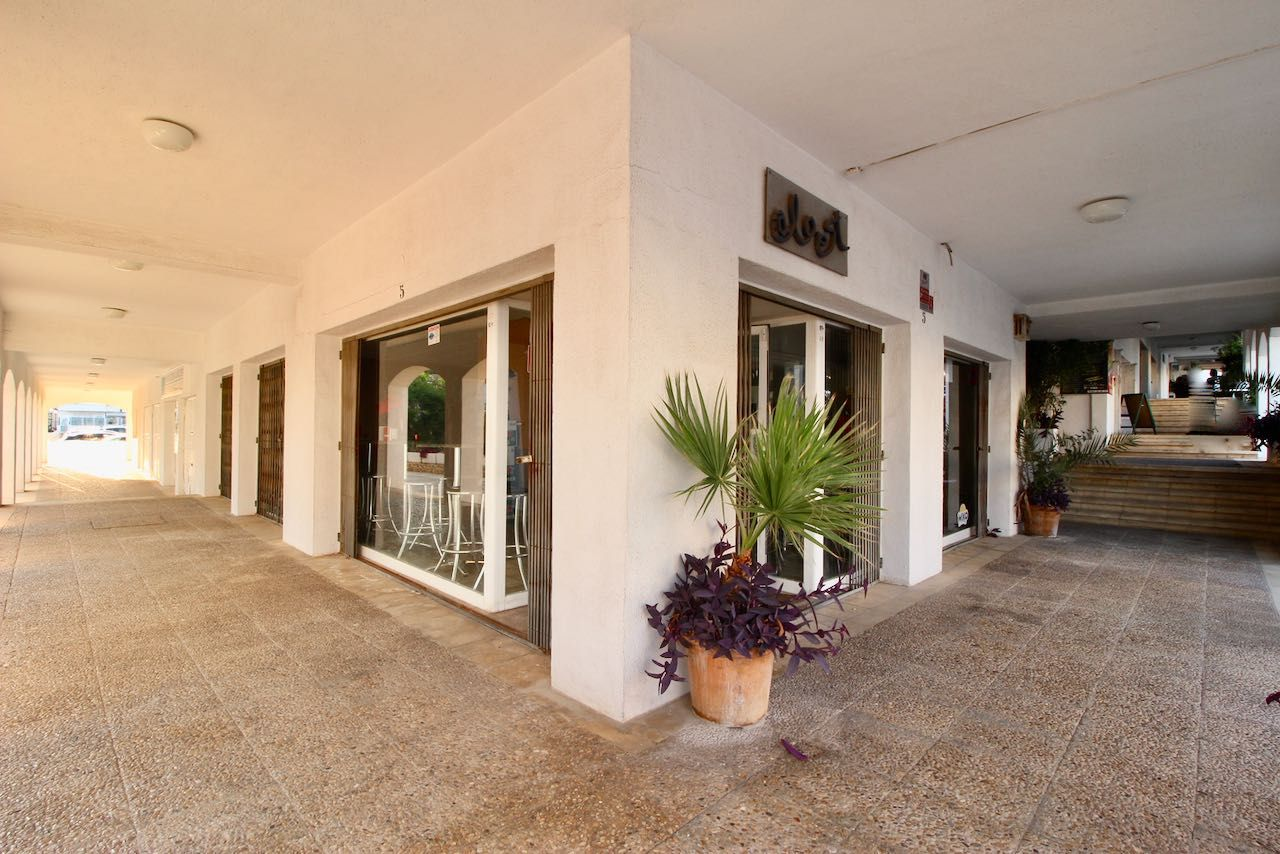 Commercial property in Altea, San Chuchim, rental with option of purchase