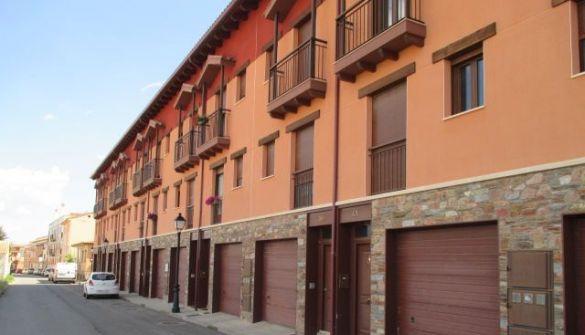 Casa adosada en Teruel de 3 habitaciones