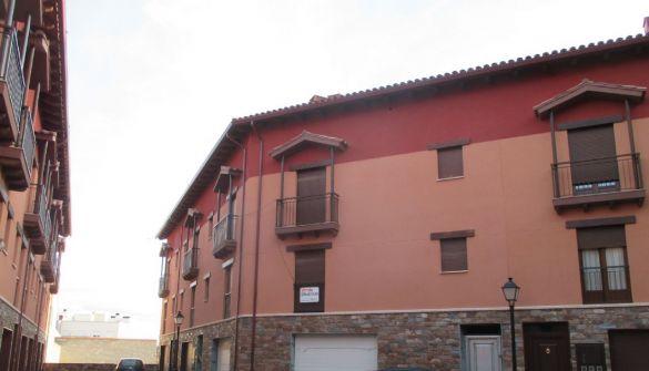 Casa adosada en Teruel de 4 habitaciones