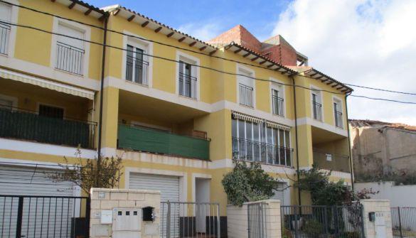 Casa adosada en Villastar de 3 habitaciones