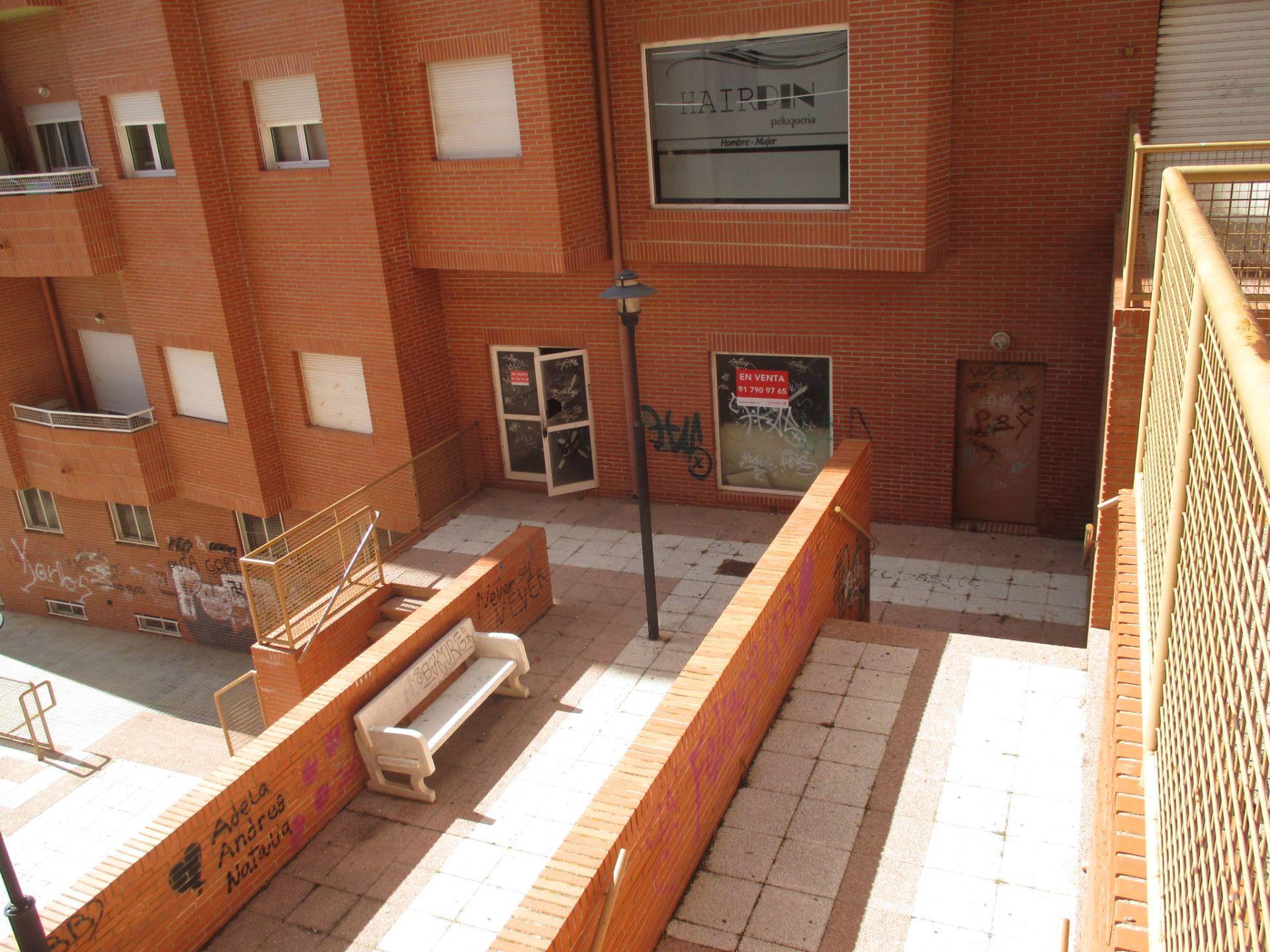 Local comercial en venta en Teruel