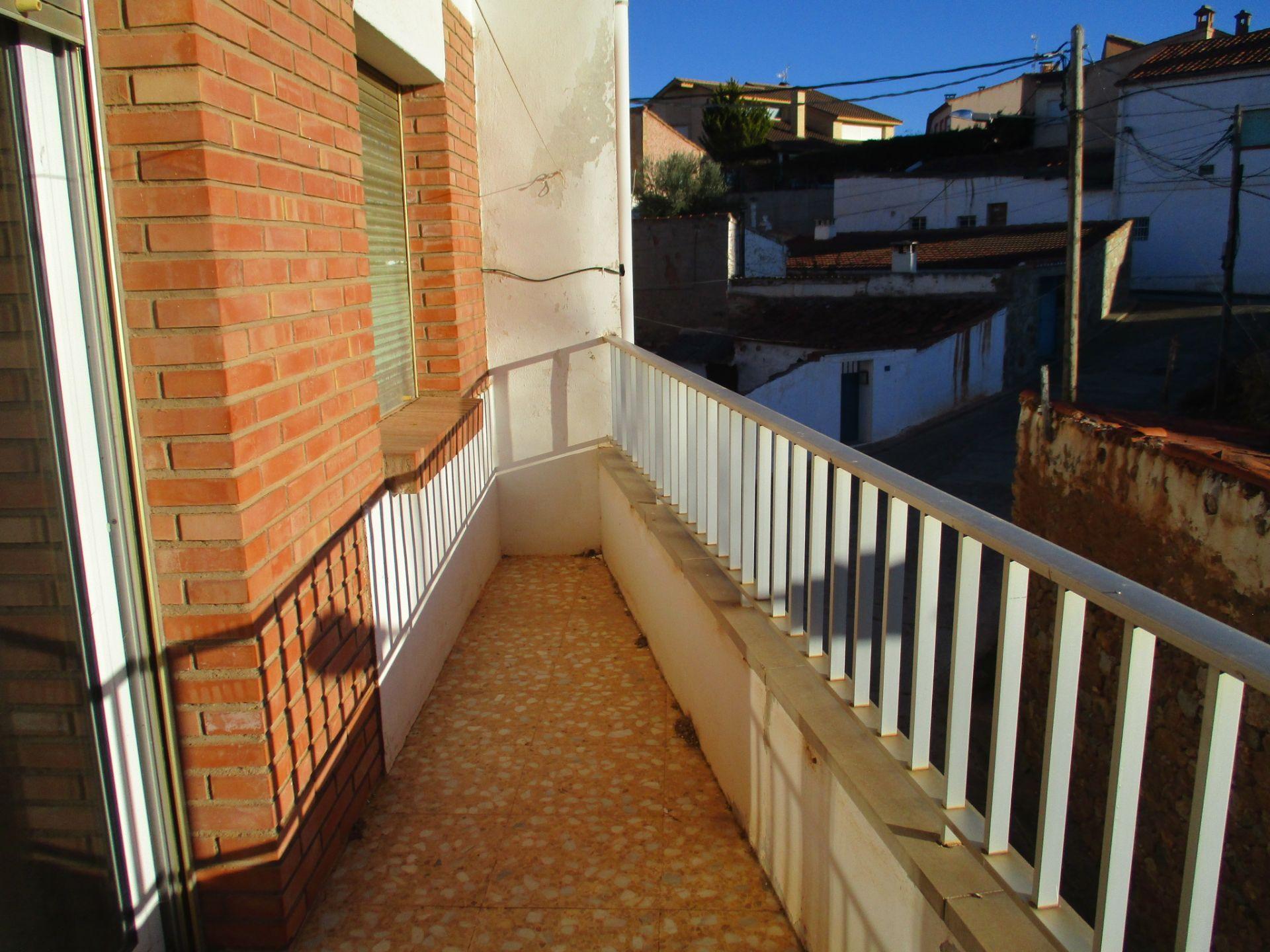 Villa en venta en Teruel