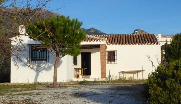 Country House in Canillas de Aceituno, for sale