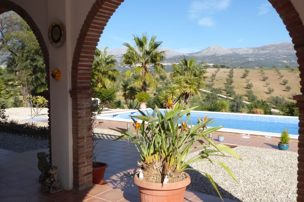 Country House in Viñuela, Pantano Viñuela, for sale