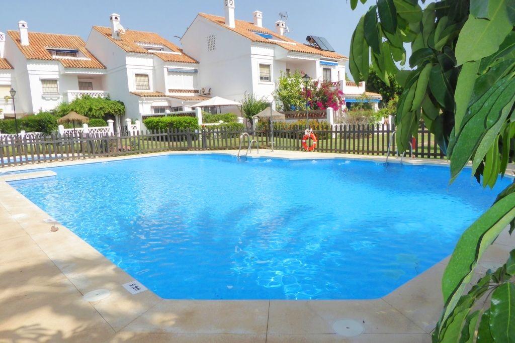 Terraced House in Vélez-Málaga, CHILCHES, for sale
