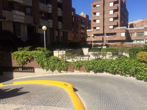 Plaza de parking en venta en Segovia zona Santo Tomas