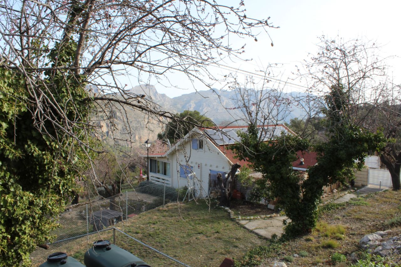 Casa de campo en Confrides, venta