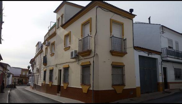 Casa adosada en San Bartolomé De La Torre de 3 habitaciones