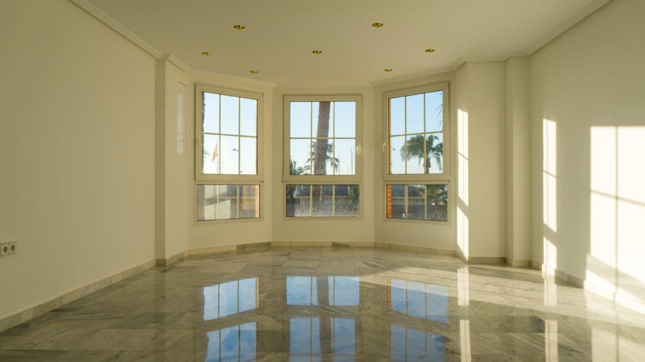 Apartamento en Torrevieja, Paseo Marítimo, venta