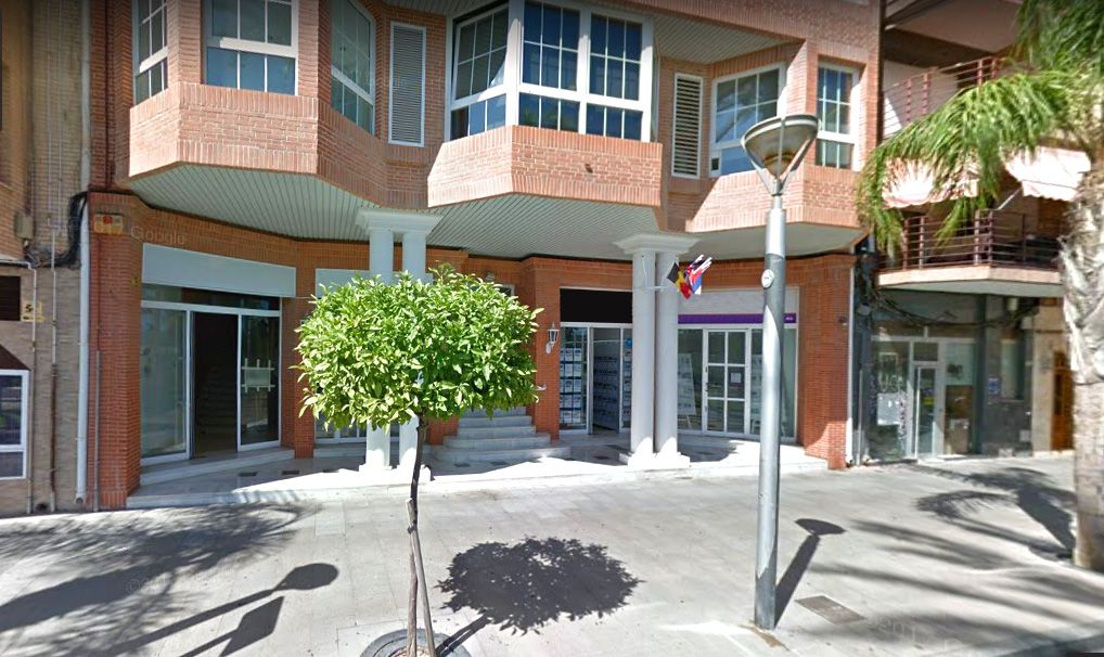 Local comercial en Torrevieja, Paseo Marítimo, venta