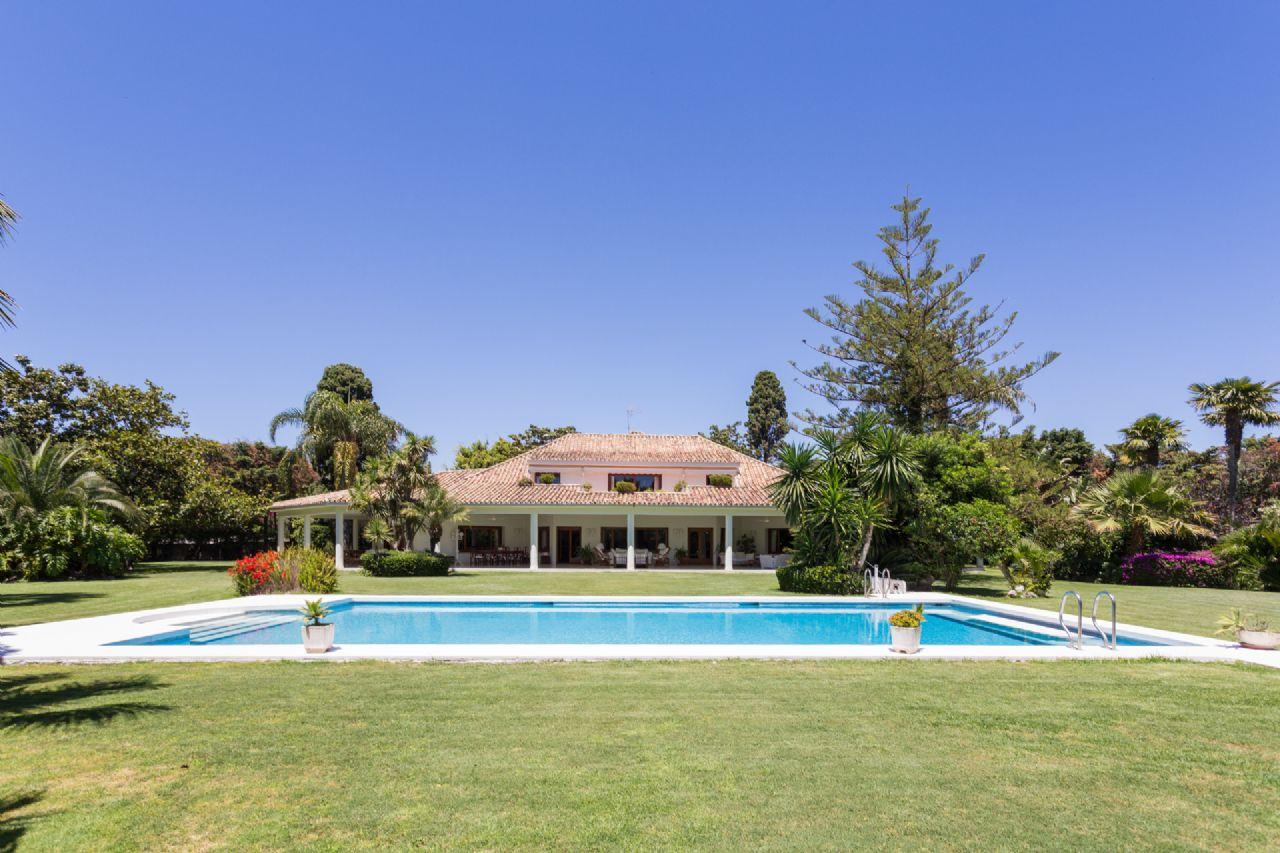 Villa de Lujo en San Pedro de Alcántara, Guadalmina Baja, venta