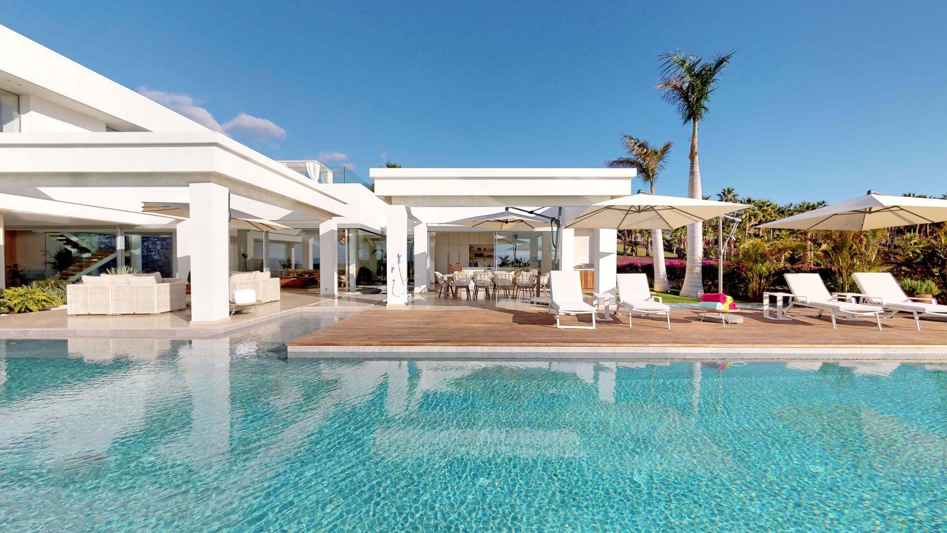 Luxury Villa in Guía de Isora, Playa Abama, for sale