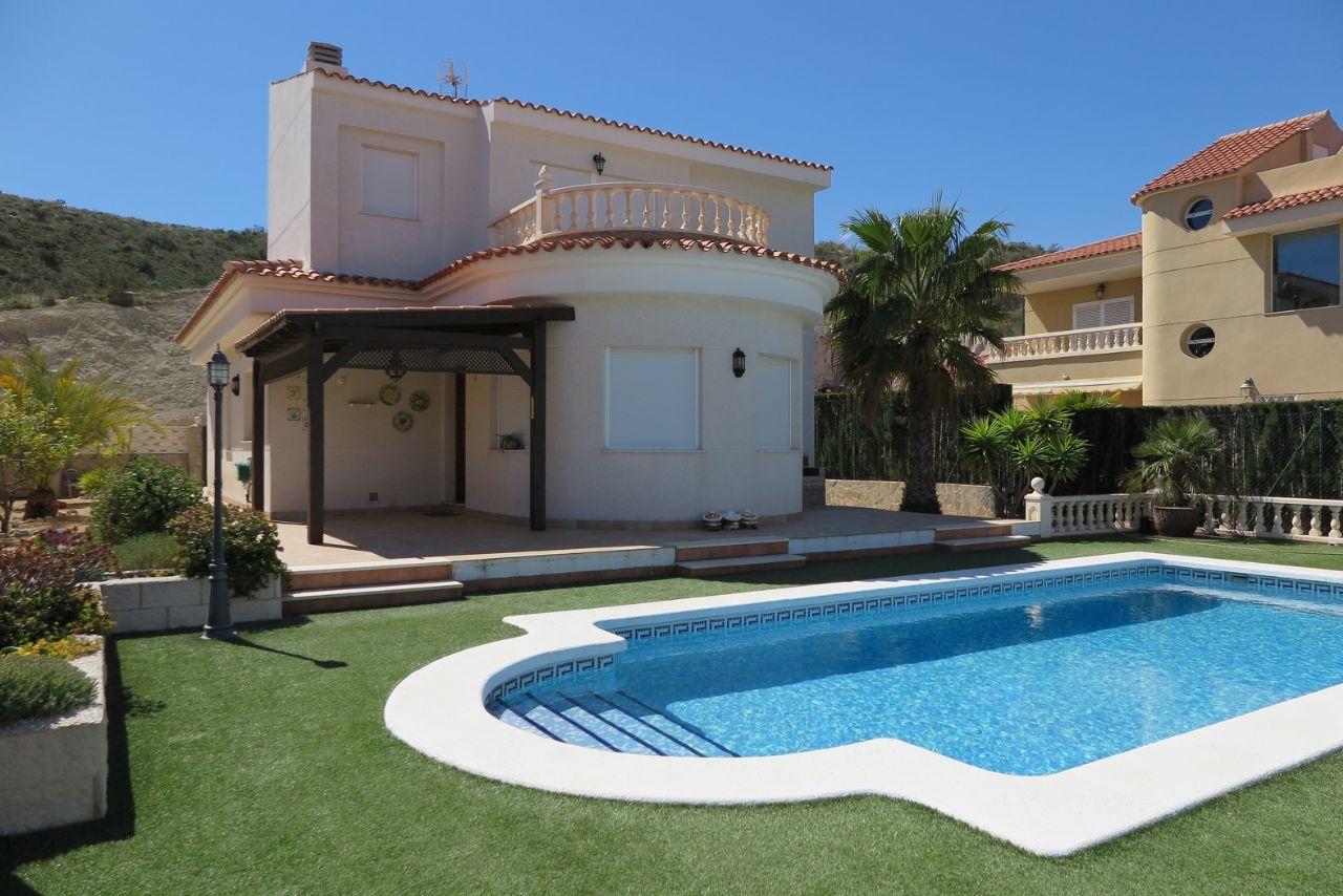 Villa in El Campello, Cala d'Or, for sale