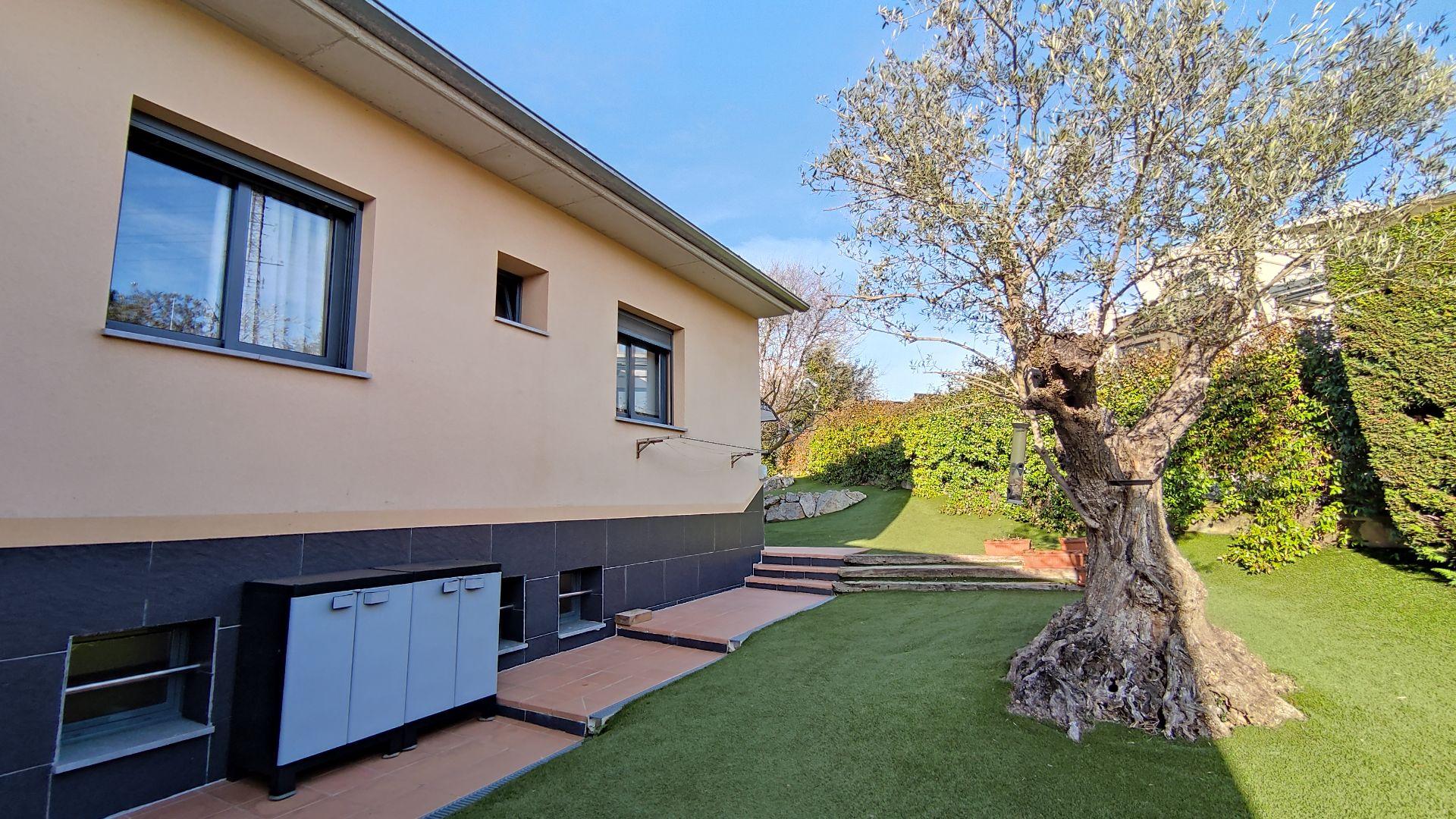 Casa / Xalet a Girona, MONTILIVI, en venda