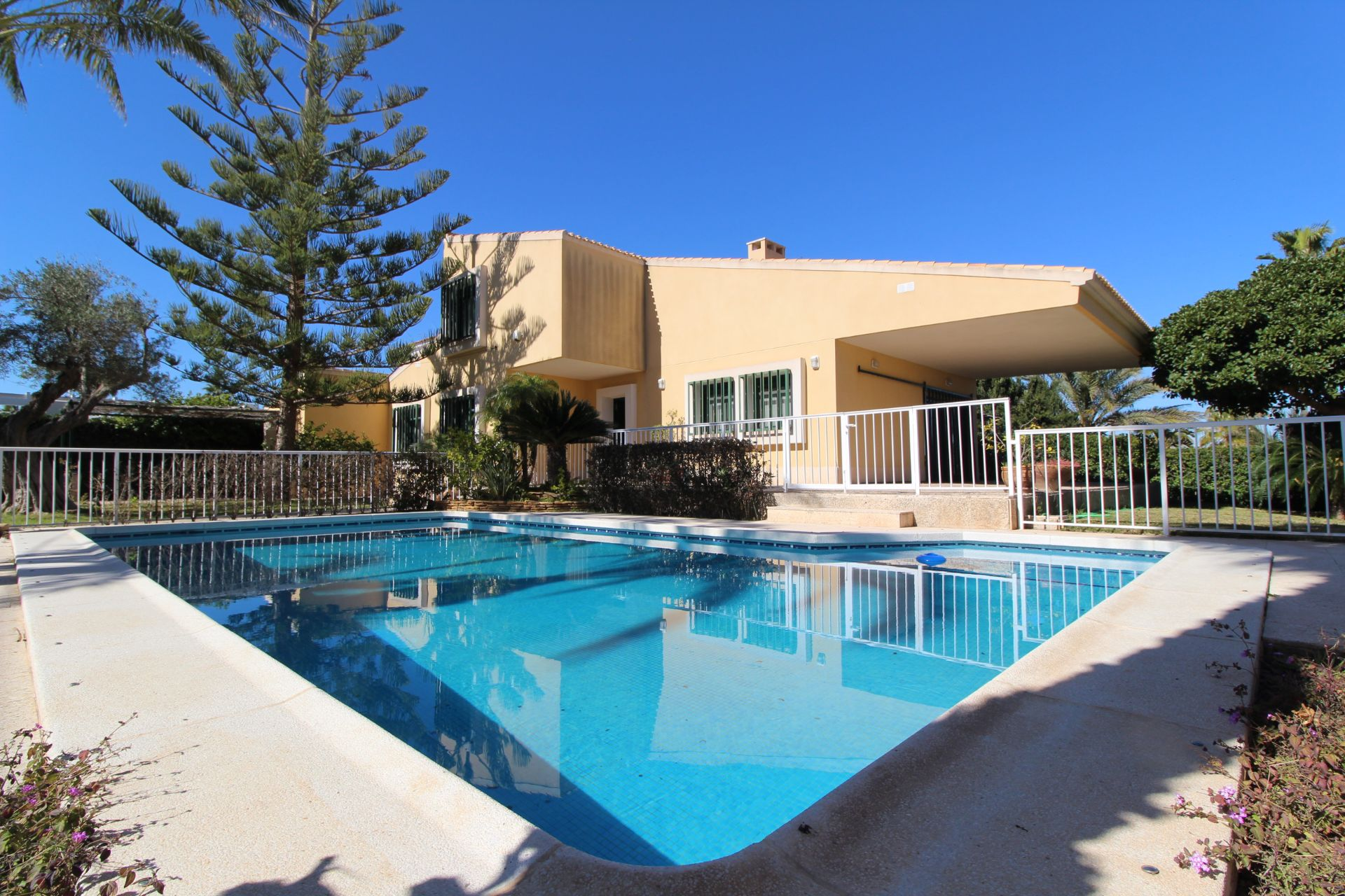 Villa in Orihuela Costa, Cabo Roig, for sale