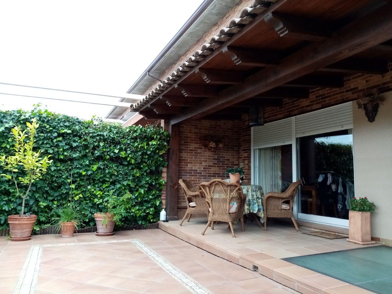 Casa adosada en Valdeolmos-Alalpardo, CASCO URBANO RESIDENCIAL, venta