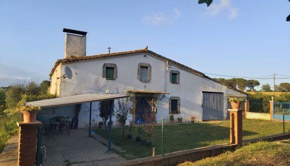 Casa de campo en Sils de 6 habitaciones