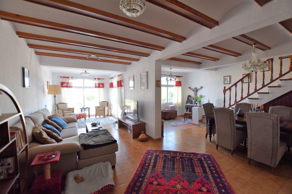 Terraced House in Alfaz del Pi / l'Alfàs del Pi, for sale