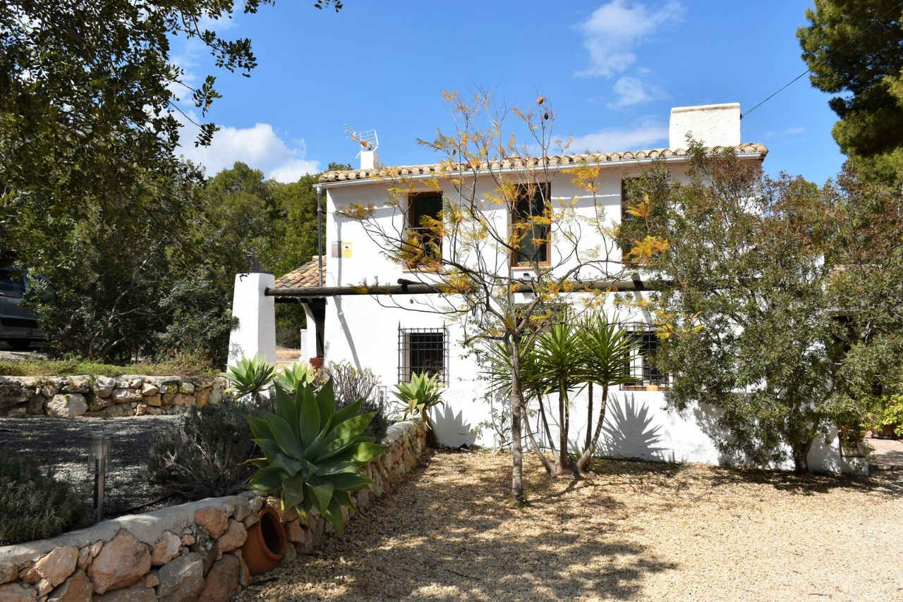 Country House in La Nucia, for sale