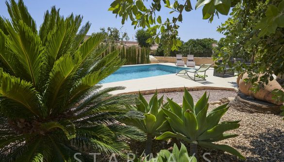 Villa in La Nucia, for sale