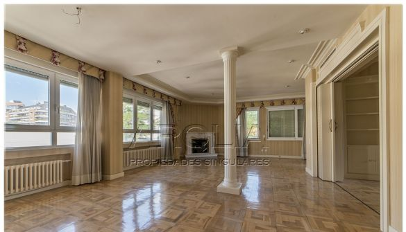 Flat in Madrid, Viso, for sale