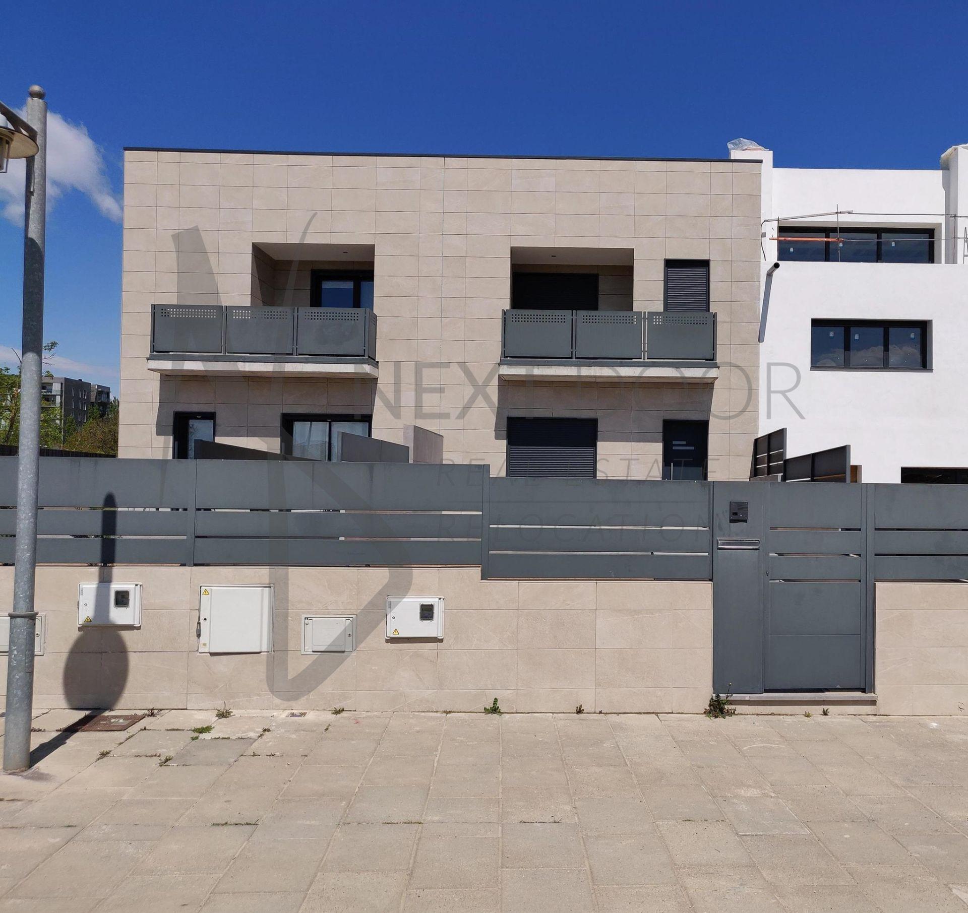 Casa adosada en Vic, El Sucre - Universitat, venta
