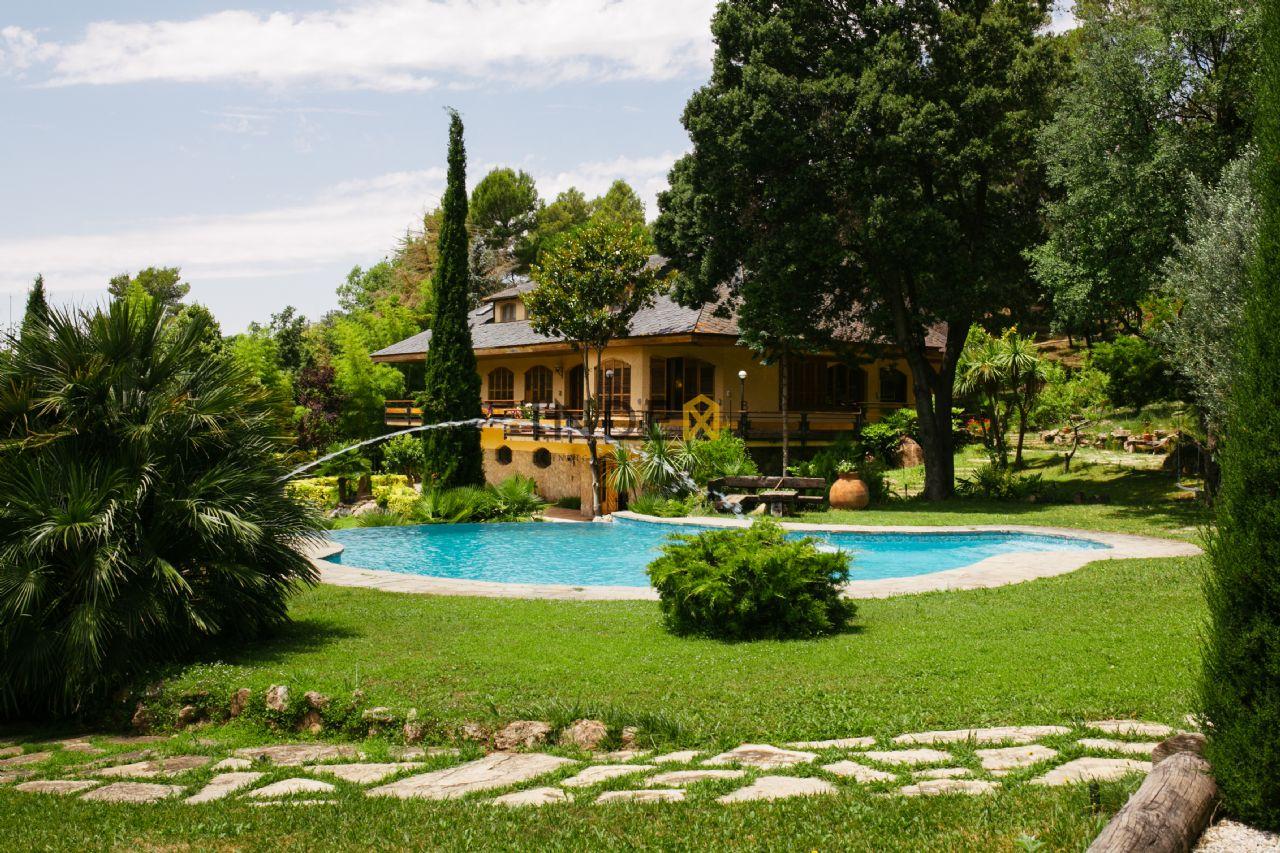Villa de Lujo en Begues, venta