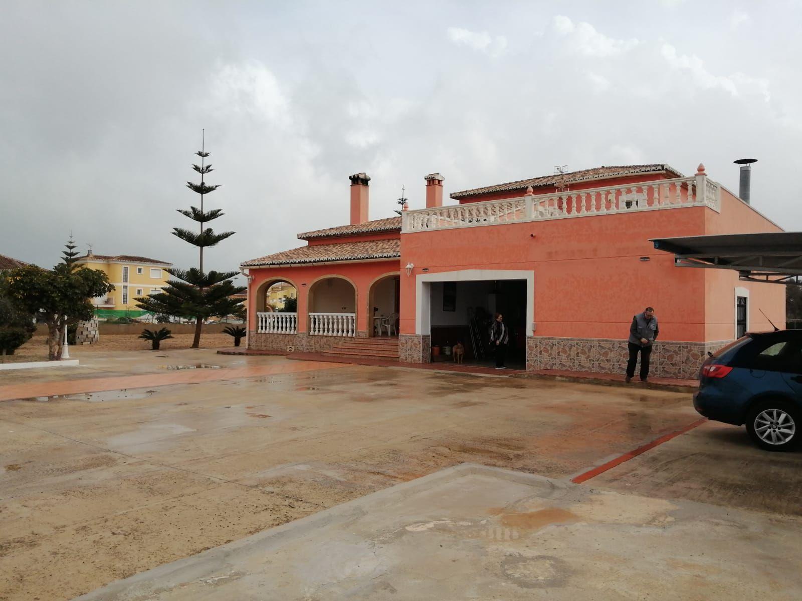 Villa in Oliva, for sale