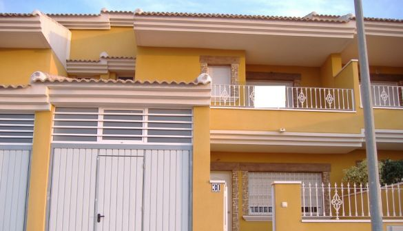 Casa adosada en Roda,La de 4 habitaciones