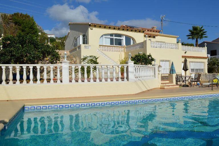 Villa in Calpe / Calp, ESTACION, for sale