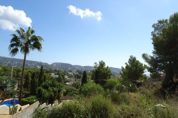 Plot in Moraira, for sale