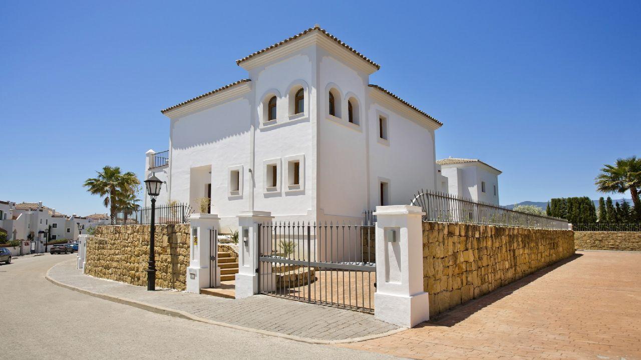 Luxury Villa in Estepona, NUEVA MILLA ORO ESTEPONA (NEW GOLDEN MILE), for sale