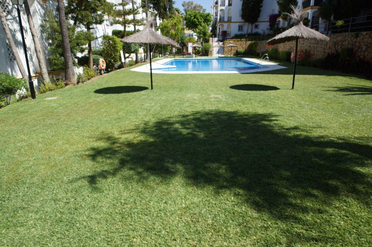 Apartment in Estepona, ATALAYA, for sale
