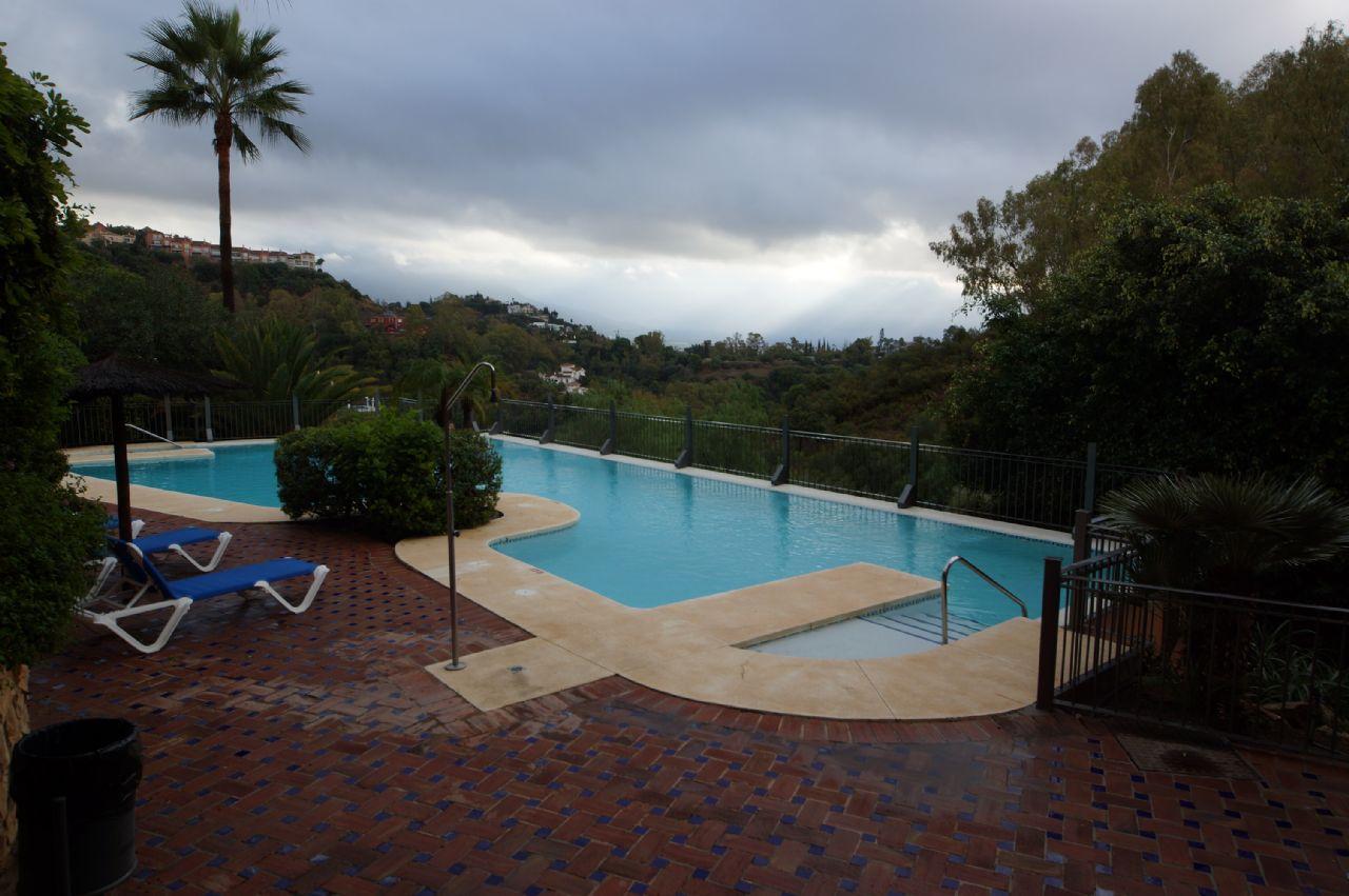 Apartment in Benahavís, PUERTO DEL ALMENDRO , LOS ARQUEROS, for rent