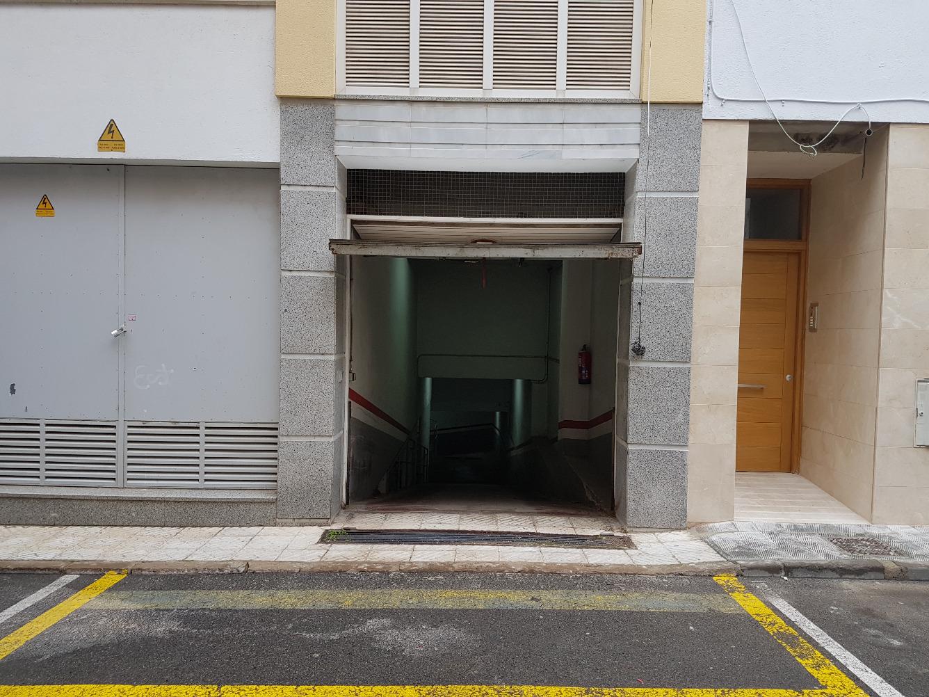 Plaza de parking en alquiler en Roses
