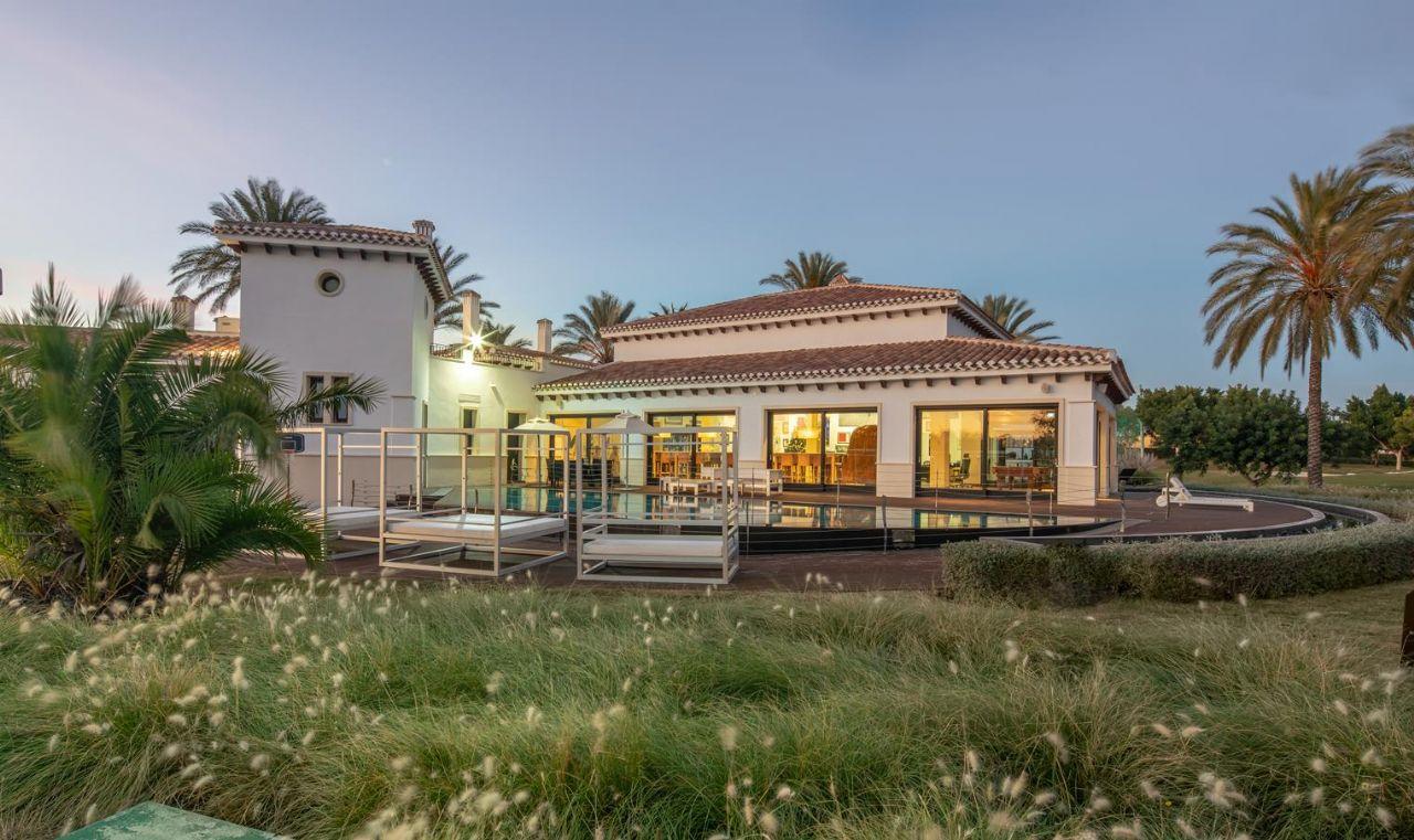 Luxury Villa in Torre-Pacheco, Mar Menor Golf Resort, for sale