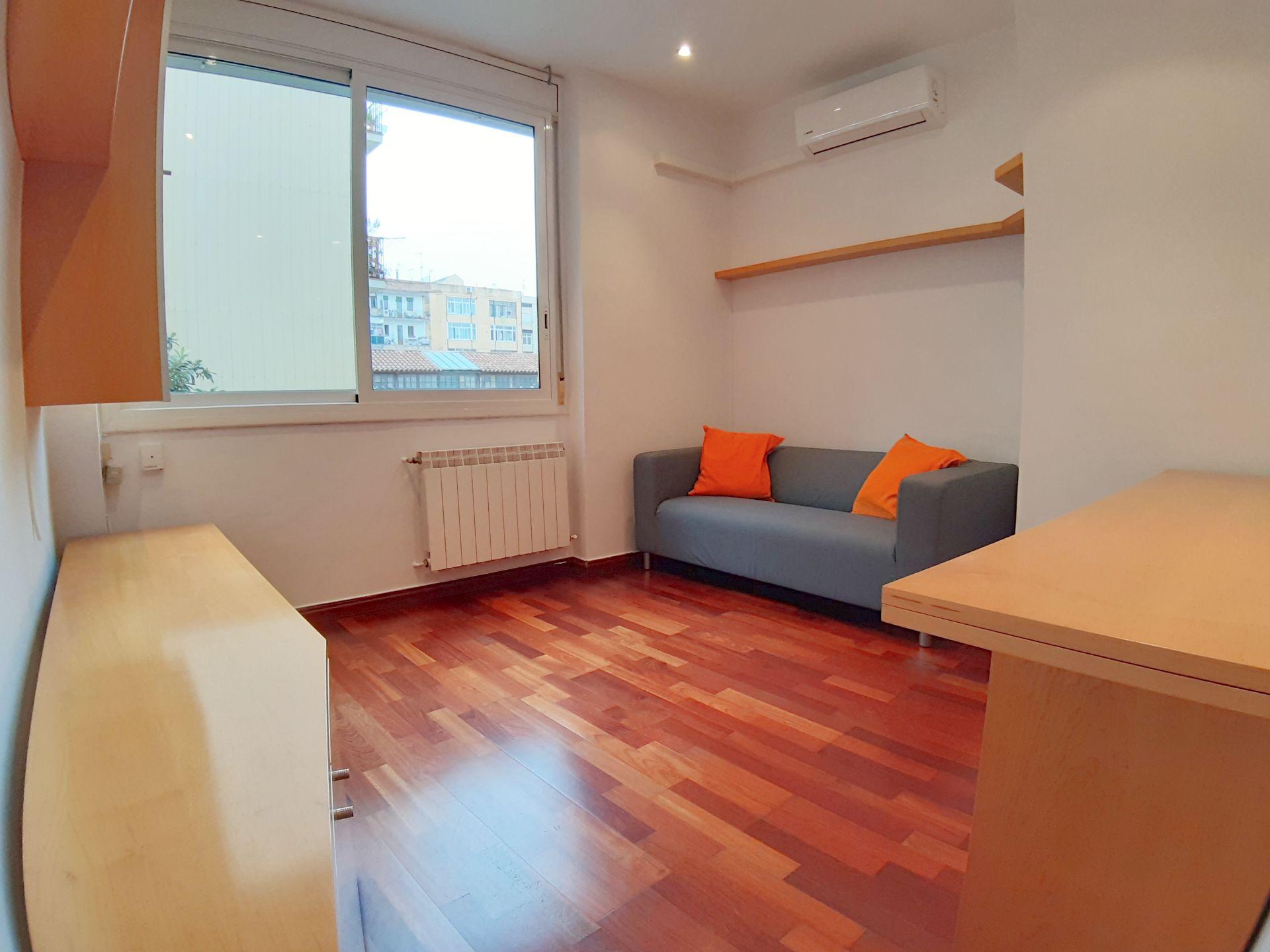 Flat in Barcelona, Poblenou, for sale
