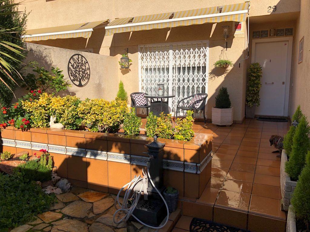 Casa adosada en Cervelló, Centro, venta